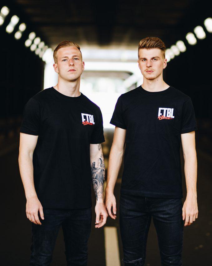 Herzblut Kollektion - T-Shirt schwarz- Martin und Fabio